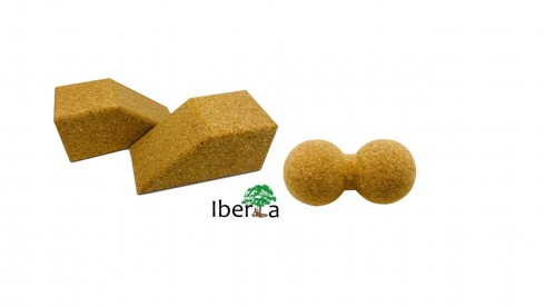 2 x Yoga Block keilförmig + 1 x Massage Duoball Ø 8 cm aus Kork(Versand incl.)